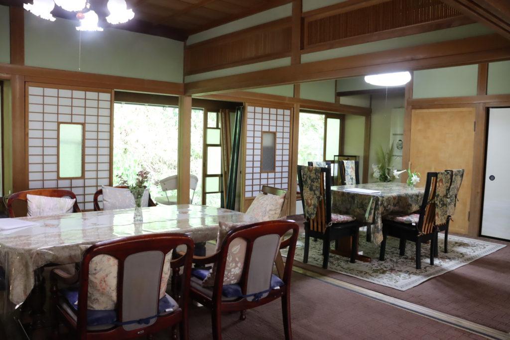 フラワーガーデンARAKI 古民家カフェ店内