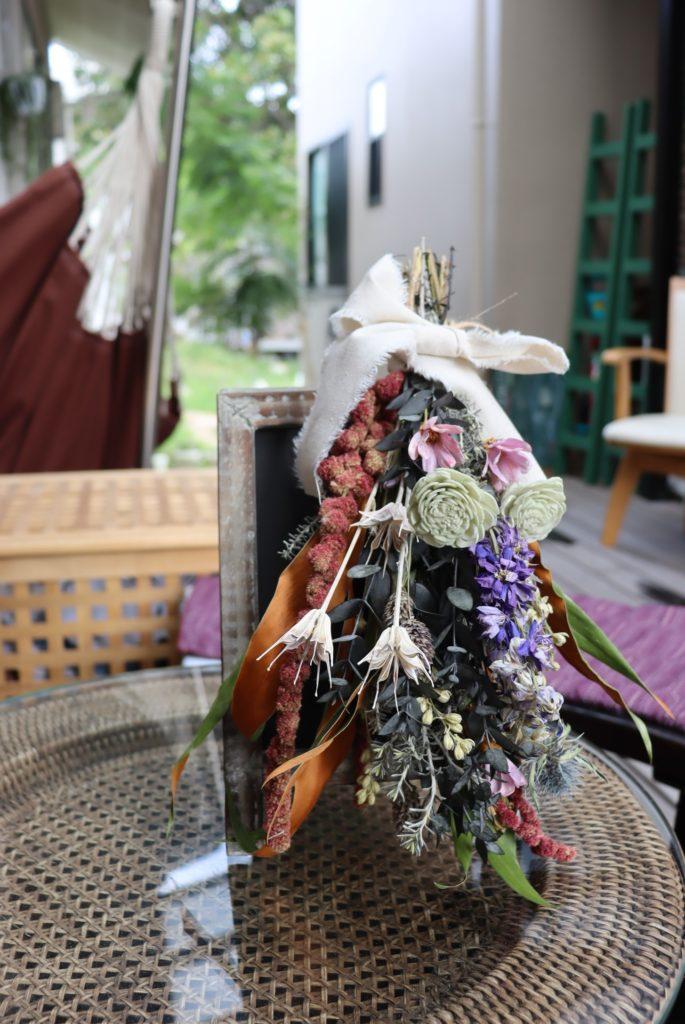 堺旧港の北波止町にある 隠れ家カフェ「 風ととき」でのフラワースワッグレッスン