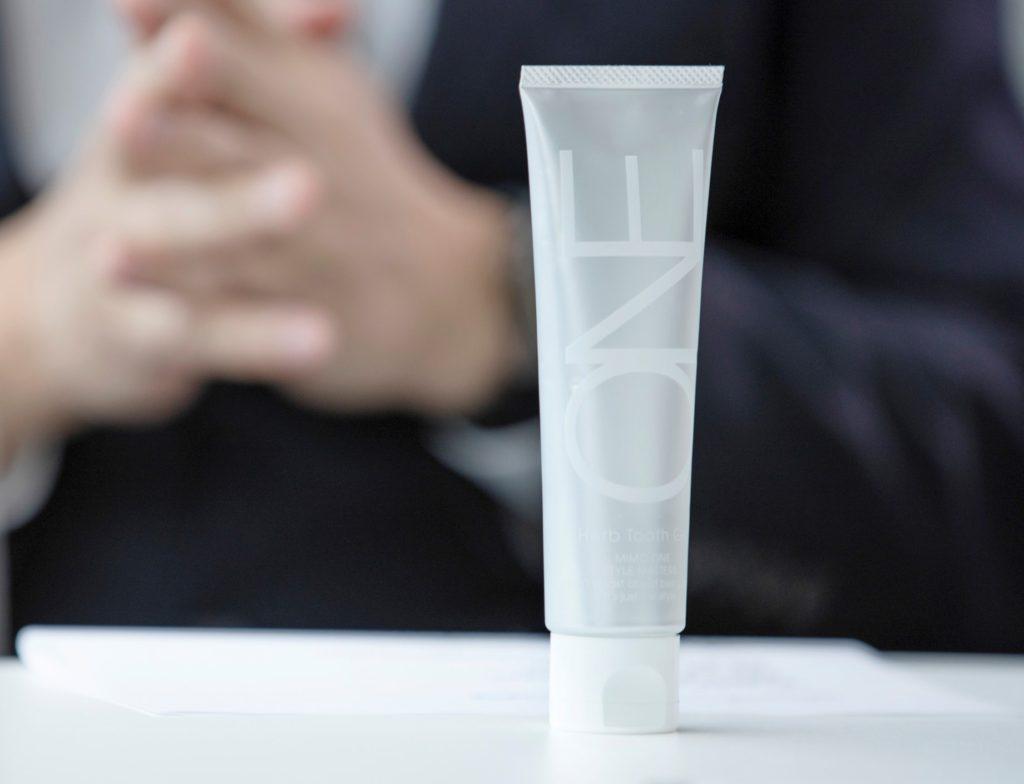 MiMC ONE「ハーブトゥースジェル」和漢方ゼリーとも表現できる歯磨きジェル