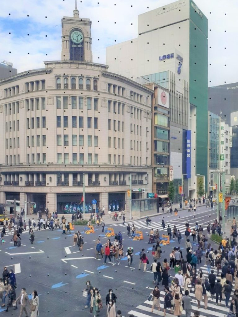 GINZA PLACEから眺める銀座4丁目交差点と時計台