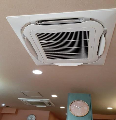 【 定期的なエアコンや床、大掃除! 】